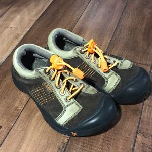 Durable play shoes